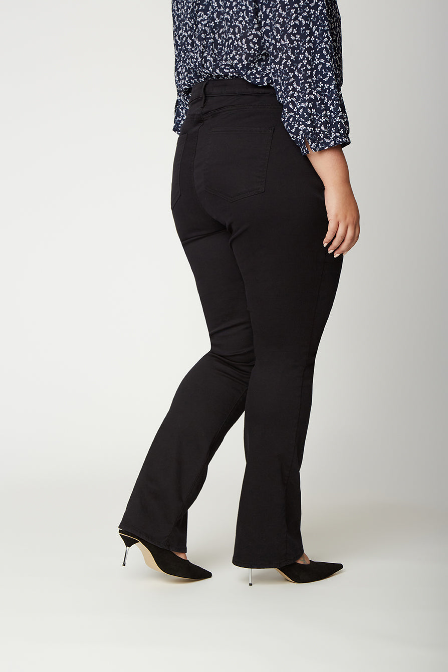 Slim Bootcut Jeans In Plus Size - BLACK