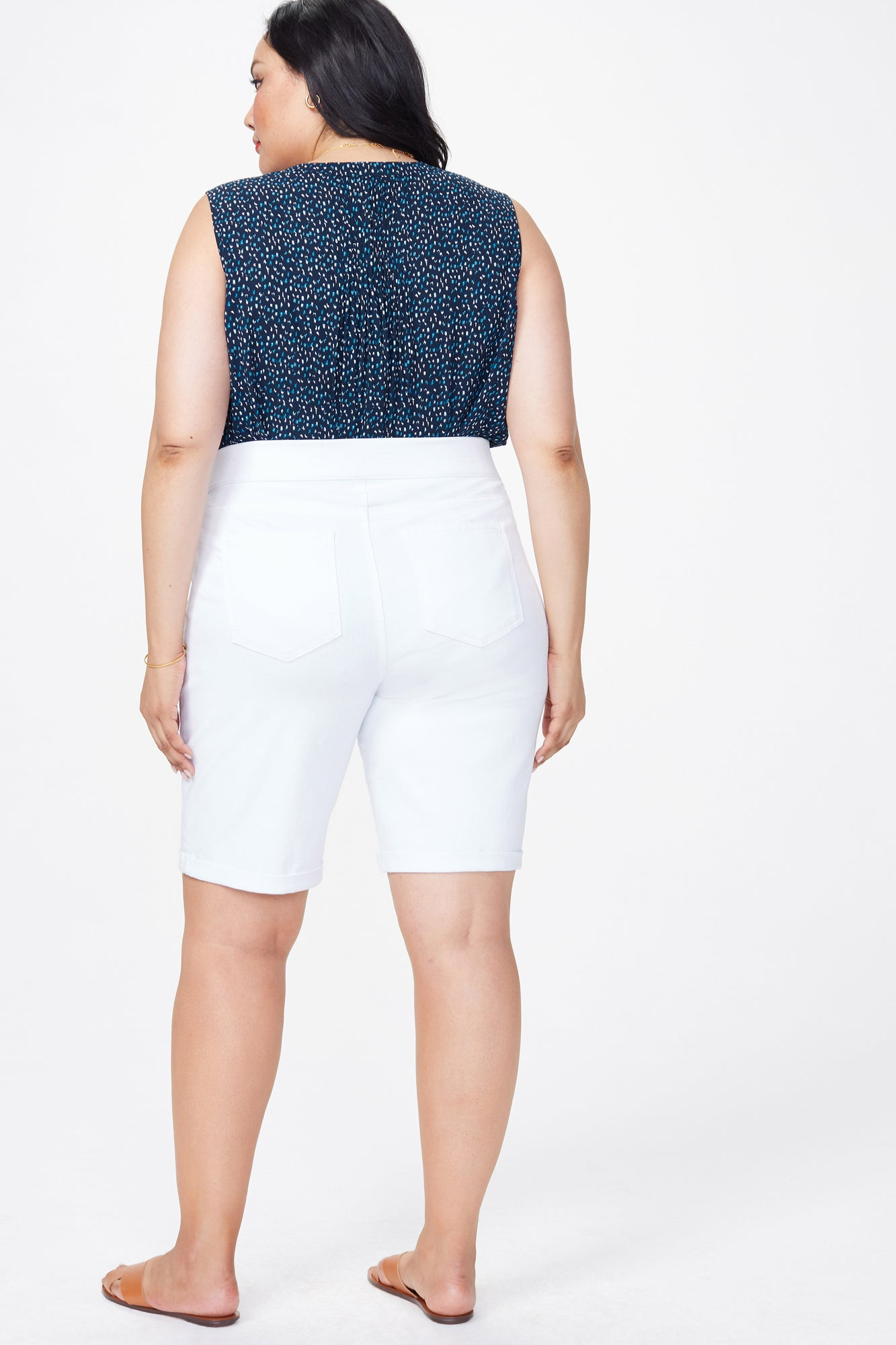 11 Inch Pull-On Jean Shorts In Plus Size - OPTIC WHITE