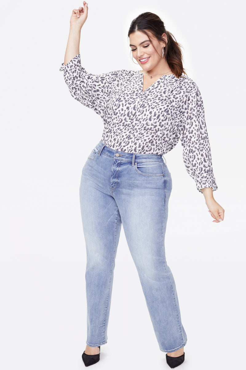 Marilyn Straight Jeans In Plus Size - BISCAYNE