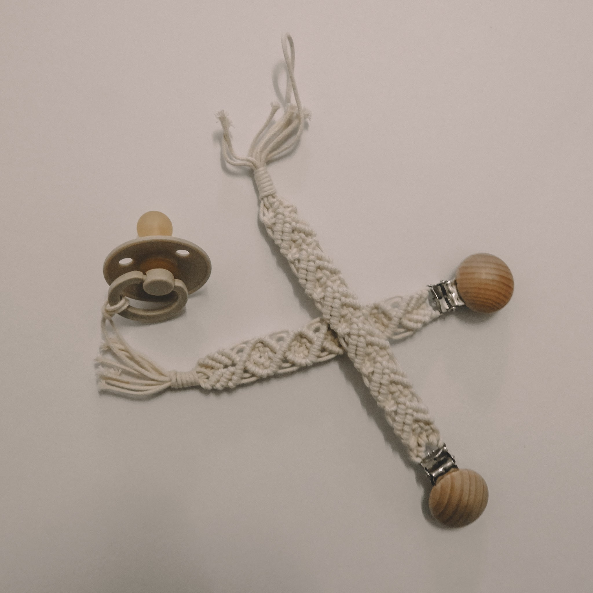 Macrame dummy chains