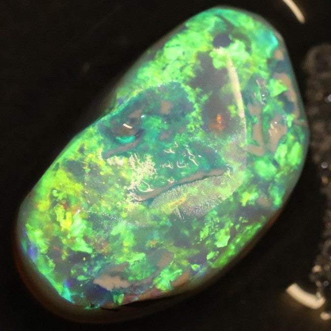 8.50 cts Australian Gem Opal Lightning Ridge, Rough Crystal Nobby