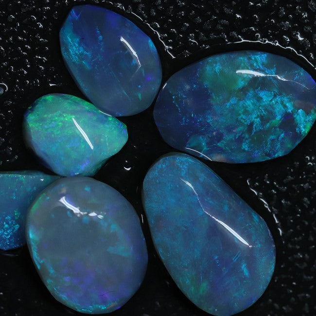 11.4 cts Opal Rough Parcel, Rubs 7.5-14.2x6.3-9.0x2.6-4.6mm