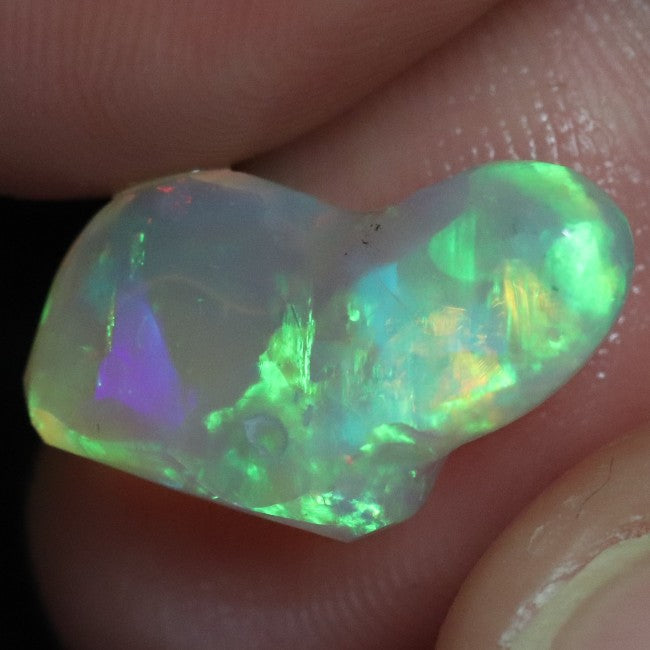 5.2 cts Australian Lightning Ridge, Opal Rough for Carving