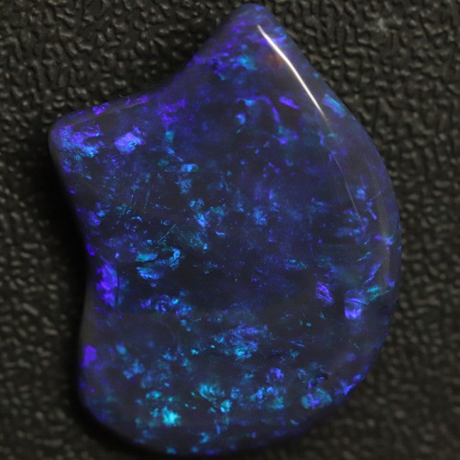28.84 cts Australian Black Opal, Lightning Ridge, Solid Carving, Loose Gem Stone