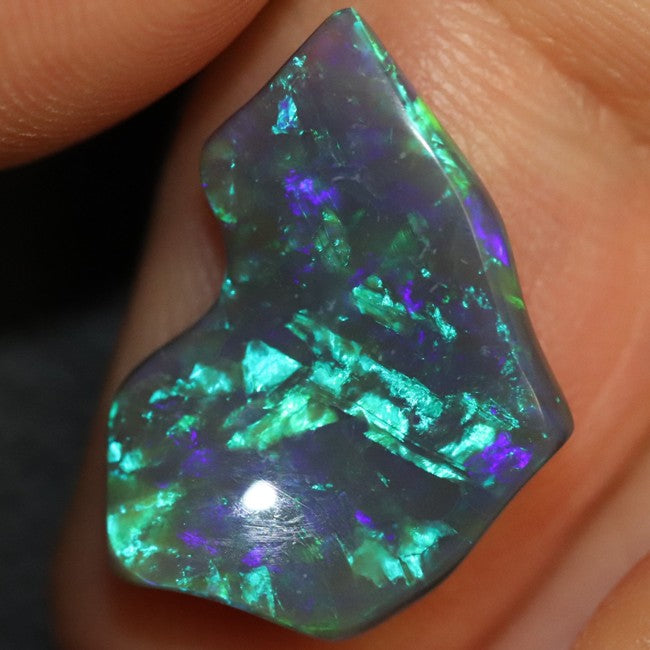 4.17 cts Black Opal Lightning Ridge, Australian Solid Carving, Loose Stone