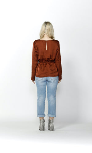 INFATUATION TWIST BLOUSE