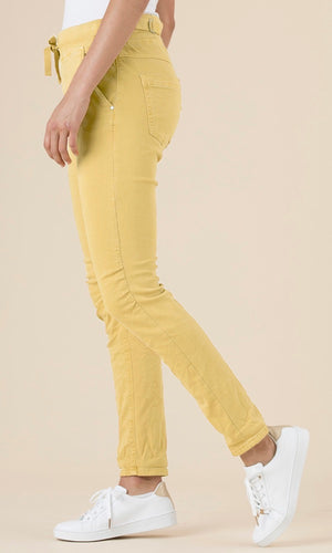 TIE FRONT GATHERED JEANS