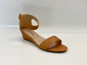 LILIANA WEDGE