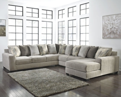 Ardsley Benchcraft 4-Piece Sectional with Chaise