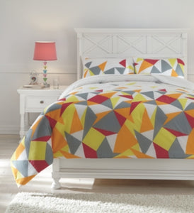 Maxie Signature Design by Ashley Comforter Set Full
