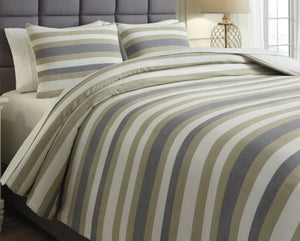 Isaiah Signature Design by Ashley Comforter Set King