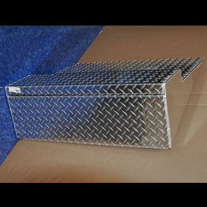 Freightliner Classic aluminum diamond plate battery box lid