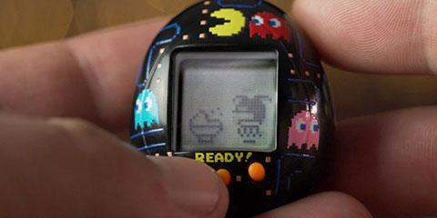 Combining Two Nostalgic Novel Gadget Games : Tamagotchi Pac-Man Deluxe