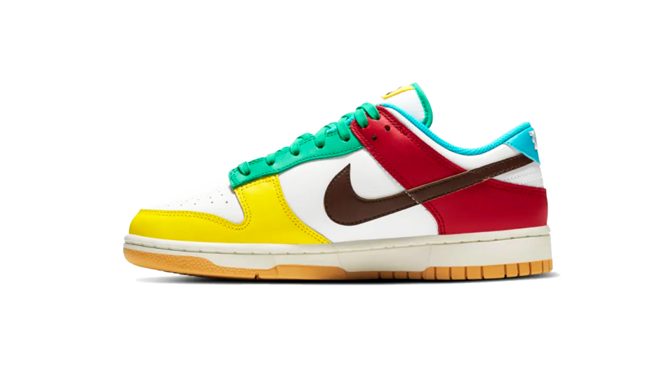 Nike Dunk Low Free 99 White Sneaker Match Tee And Dunk Free 99 White Accessories Category