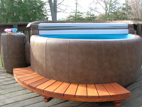 Softub Model T300+, Redwood Sectional Semi Surround Step (Free shipping)