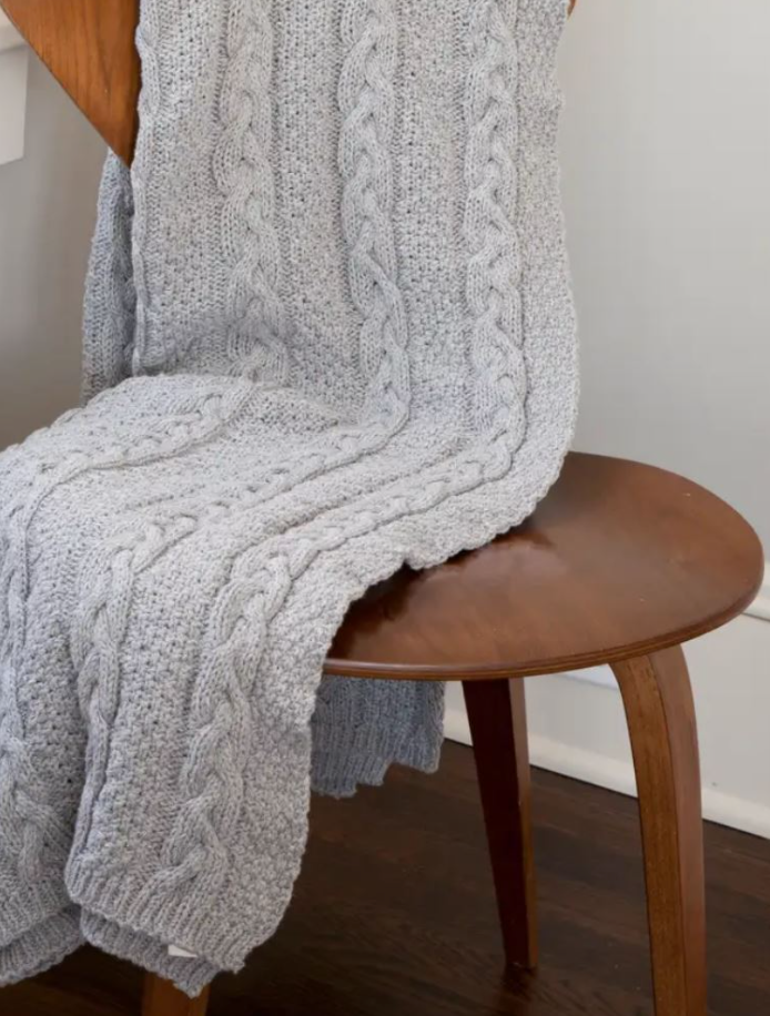 Chunky Oversized Cable Knit Blanket