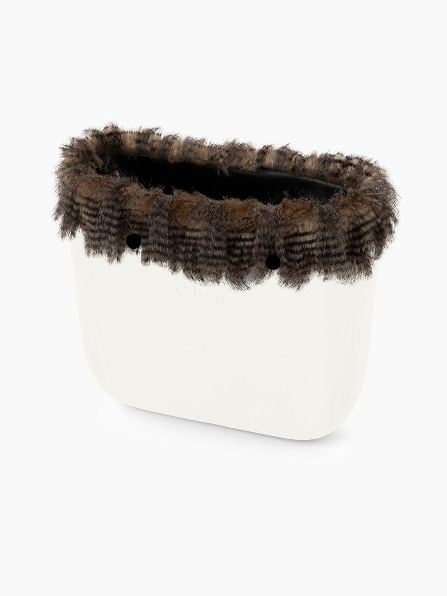 O bag classic faux fur trim soft lines sand