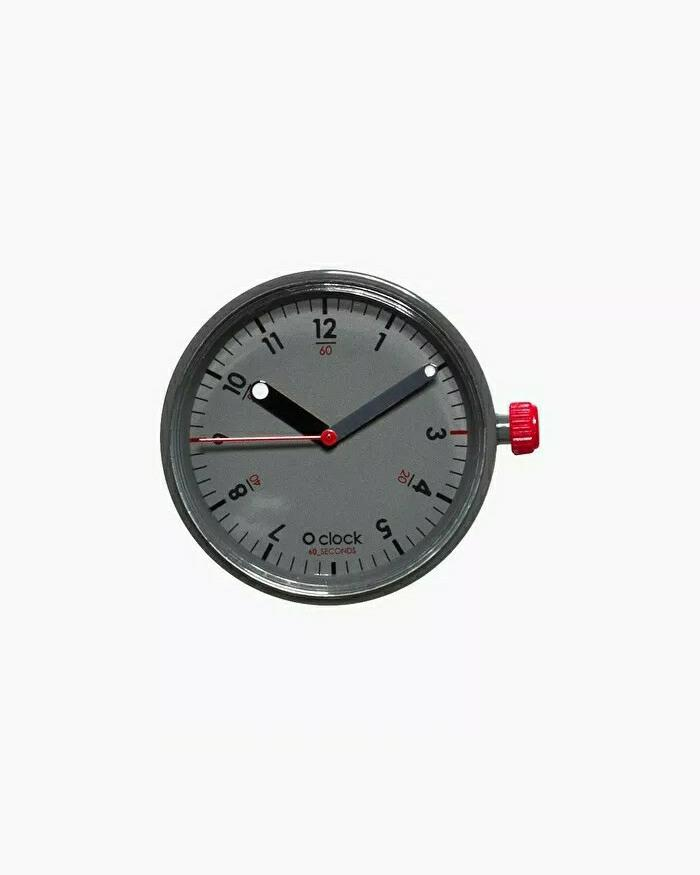 O clock dial seconds red grey