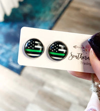 Load image into Gallery viewer, Thin Line Stud Earrings