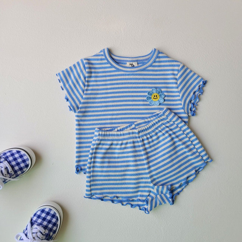 Striped Daisy Embroidery Set - Blue