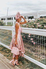 woman-at-the-races-formal-hat-attire