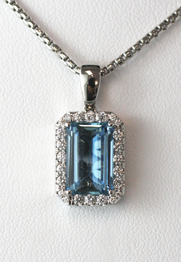 4.63 Carat Aquamarine & Diamond Pendant