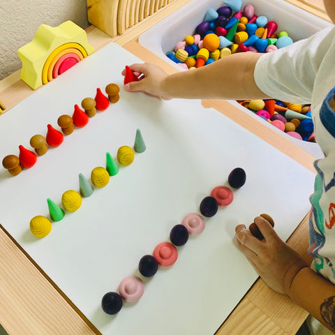 Grapat pattern repeat activity with kids