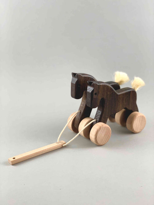 Woodberry Bajo Double Horse Pull Toy
