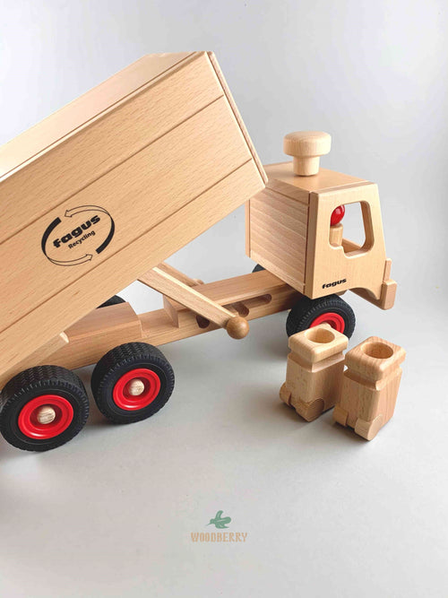 Fagus wooden garbage truck