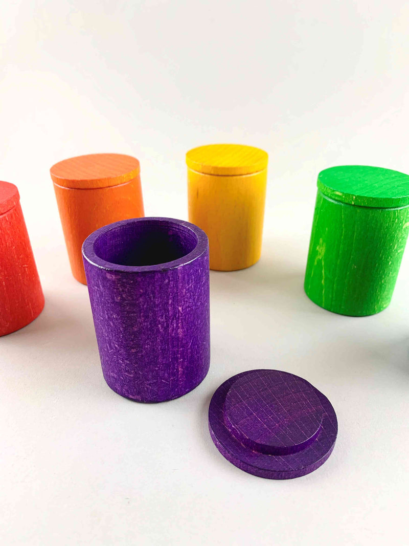 Set of 6 Colored Cups with Covers