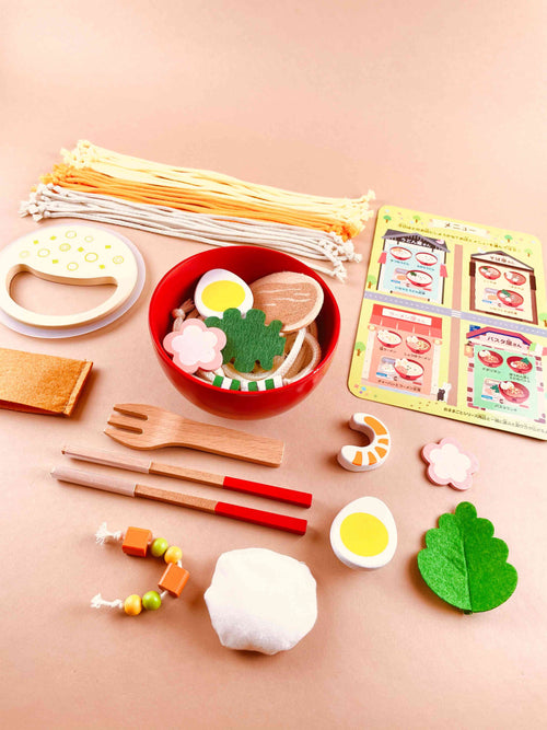Wooden noodle set toy
