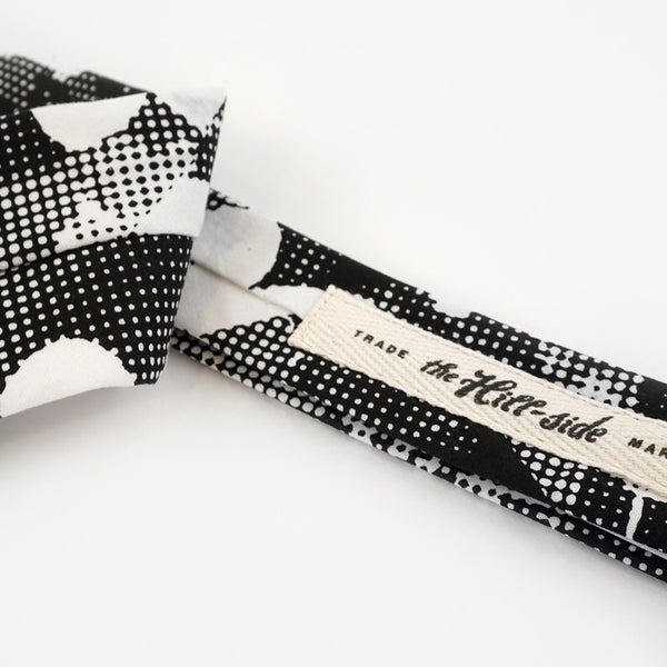 Pointed Tie - Big Halftone Floral