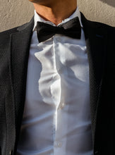 Load image into Gallery viewer, Le Noir Bow Tie