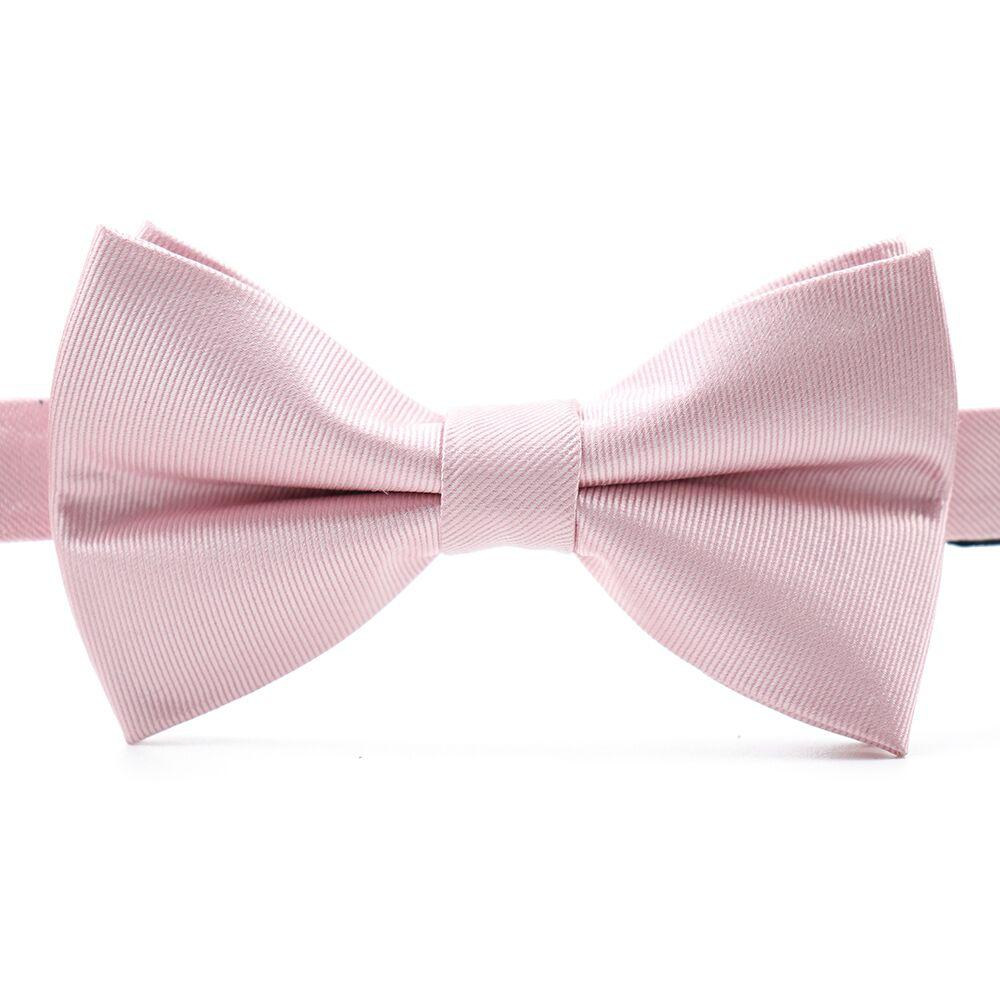 Want a day filled with endless compliments, well the Louzo Le Rose bow tie is here for you. Some may call the colour Light Pink, we call it Le Rose. Its 100% Silk and has the option to be personalised by being monogrammed in 1 of 5 different colours.