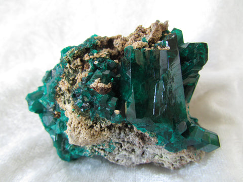 Dioptase with Wulfenite