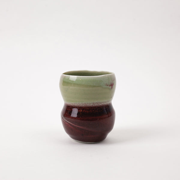 Curved porcelain yunomi for Japanese green tea