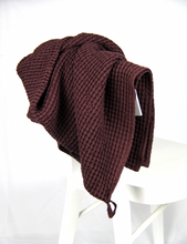 Load image into Gallery viewer, Plum waffle linen towel - Linen Couture Boutique