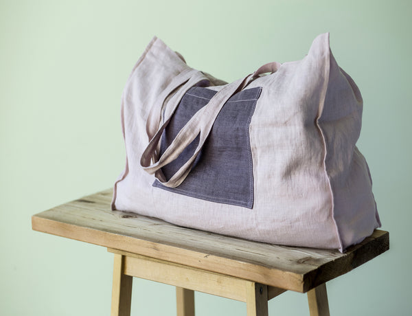 Linen beach bag with contrast pocket