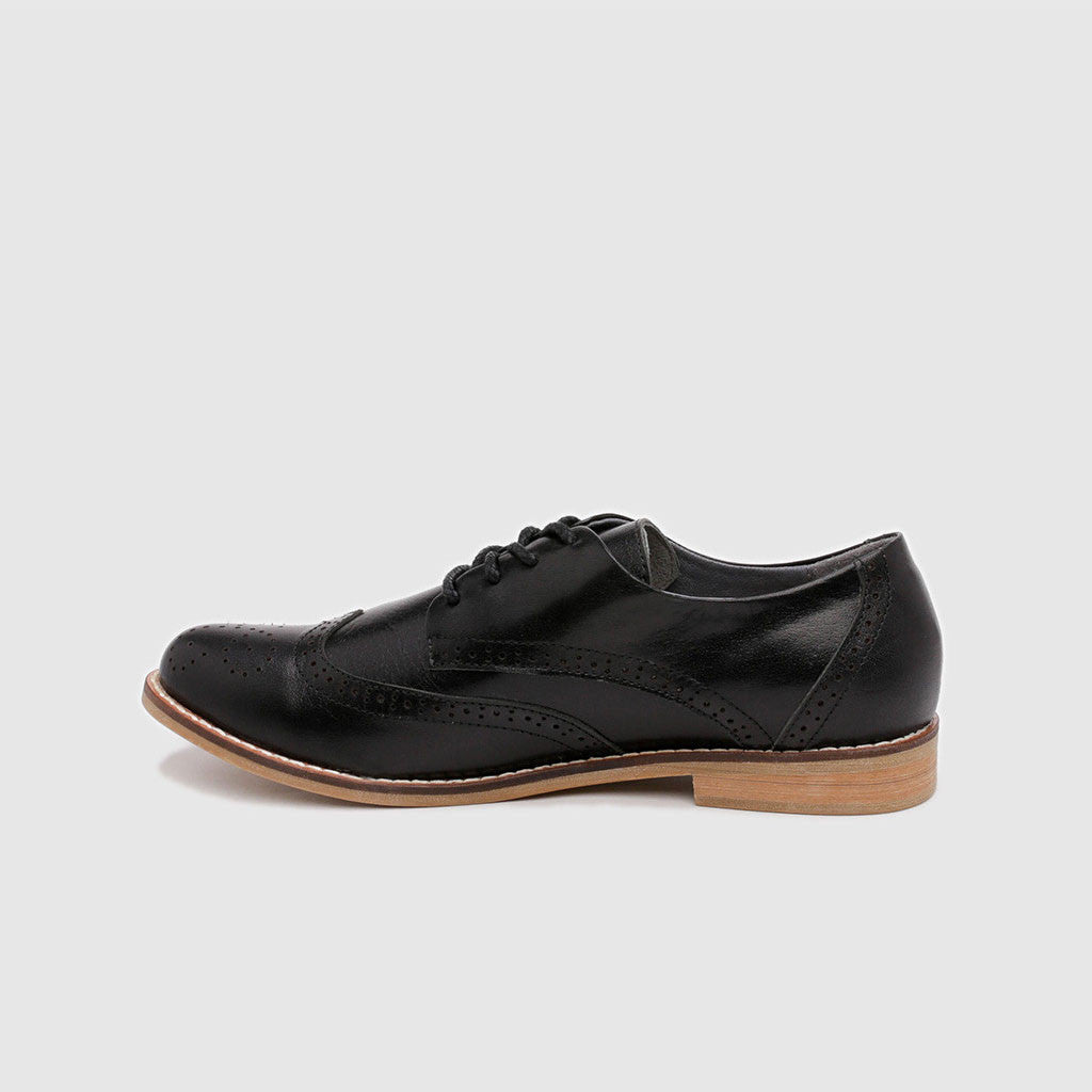 Women's Oxford in Black Leather