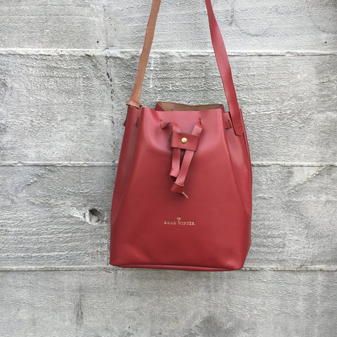 Good Winter GW2 Bucket Bag Medium Pinot