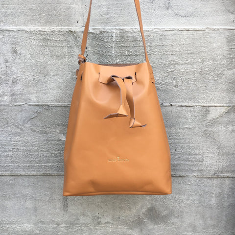 Good Winter GW3 Bucket Bag Large Tan