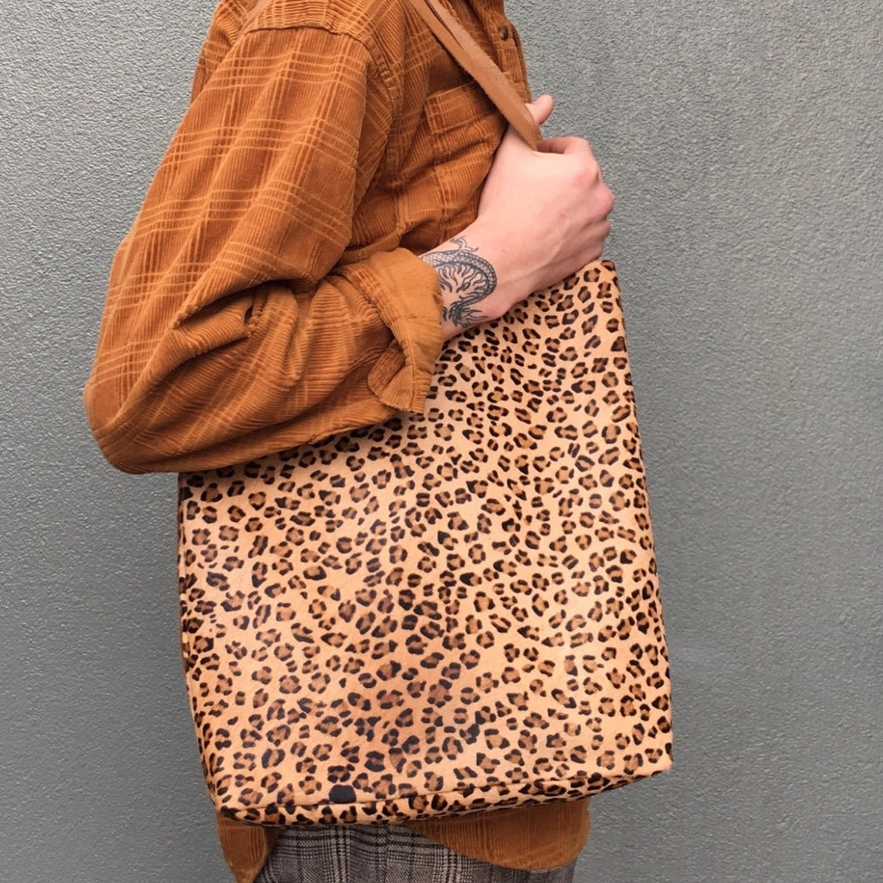 Good Winter GW4 Basic Tote Bag Leopard Print