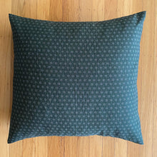 Load image into Gallery viewer, Golden Green Asanoha Cushion Cover