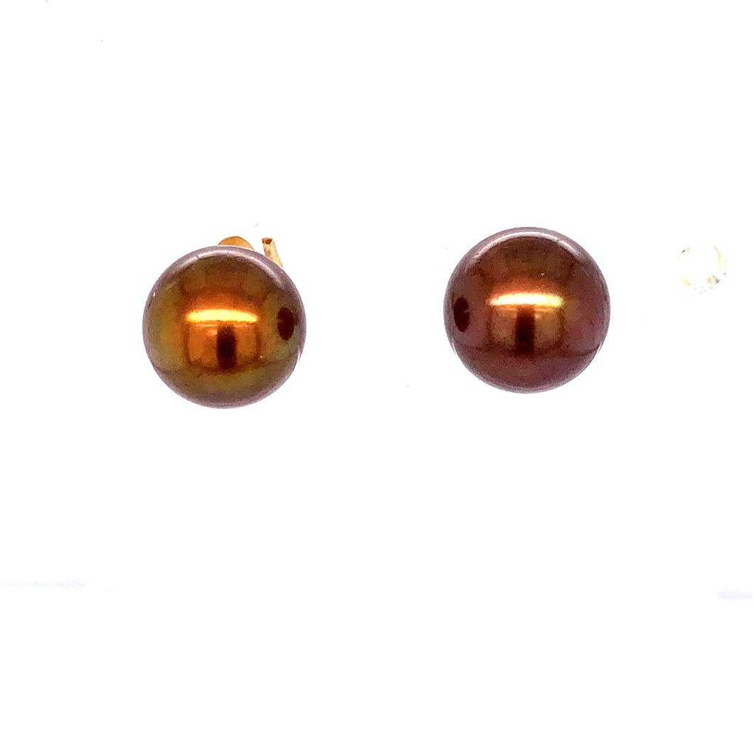 14 Karat Yellow Gold Earrings with Chocolate Pearls