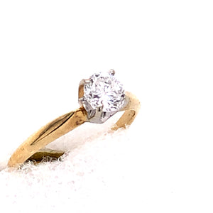 14 Karat Yellow Gold Ring with Diamond