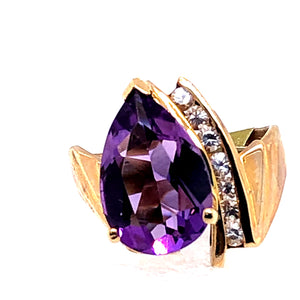 10 Karat Yellow Gold Ring with Amethyst & Cubic Zirconia