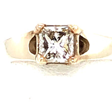 Load image into Gallery viewer, 14 Karat White Gold Ring with Diamond