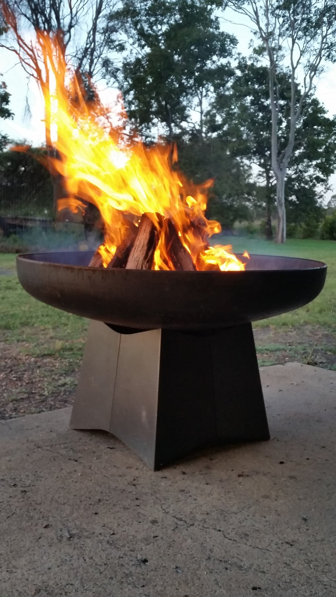 Goanna Outdoor Fire Pit 100cm