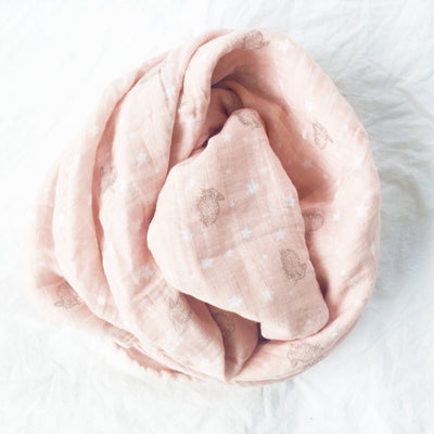 Alimrose Muslin Swaddle - Bunnies & Stars Pink - Swaddle - Alimrose - Afterpay - Zippay Carry Them Close