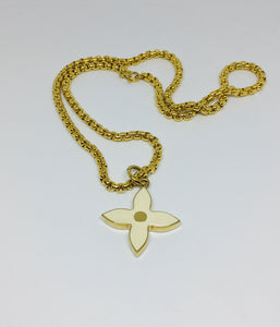 Louis Vuitton White Enamel Pointed Clover